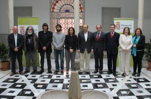 Foto Premio Crítica Muñoz Molina aparece su hijo