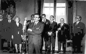 Foto Raafel Guillén 2.- Entrega del Premio Internacional _Leopoldo Panero_ por Dámaso Alonso. Madrid, 1967.