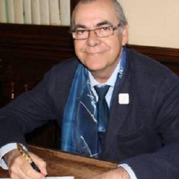 APELLIDOS Y NOMBRE: Juan Martínez Iglesias (AboroJuan)  FECHA Y LUGAR DE NACIMIENTO: Sevilla, 26 de julio de 1956  GÉNEROS LITERARIOS: Poesía.  ENLACES WEB:  http://aborojuan.blogspot.com